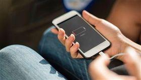 iPhone,愛瘋,充電線,總統套房 圖/翻攝自快科技