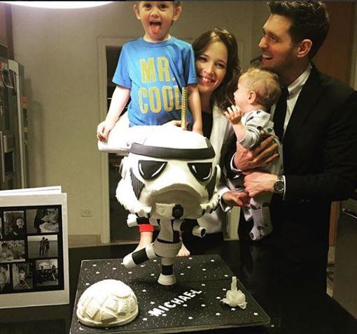 5歲兒罹肝癌!Michael Bublé事業最顛峰「宣布退休」。(圖/翻攝自Michael Bublé IG)