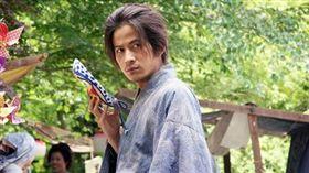 今年金棕櫚最大獎得主導演是枝裕和,唯一古裝作品《花之武者》,睽違12年後才在台灣上映。(圖/劇照)