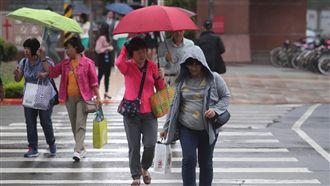 迎風面共伴效應 北台灣又溼又涼