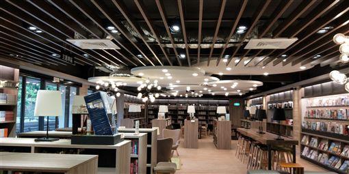 松山家商圖書館 照片記者 鍾志鵬拍攝
