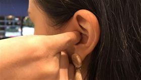 挖耳朵,耳朵,耳屎(記者郭奕均攝影)