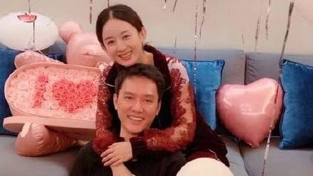 趙麗穎/馮紹峰/放閃/宣布結婚。(翻攝微博)