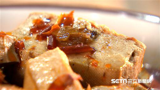 老張從四川學回的麻辣滷豆干。
