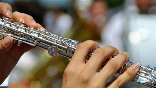 吹長笛、管樂/pixabay