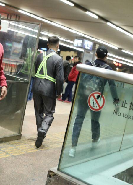 李晨從塞班島趕回北京/翻攝自微博