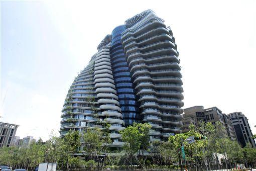 信義區超豪宅「陶朱隱園」,單戶最少上看18億元超級豪宅。(記者邱榮吉/攝影)
