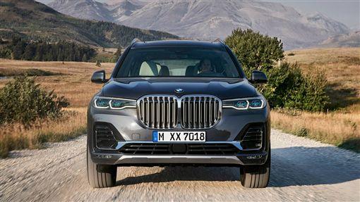 BMW X7休旅車。(圖/翻攝網站)
