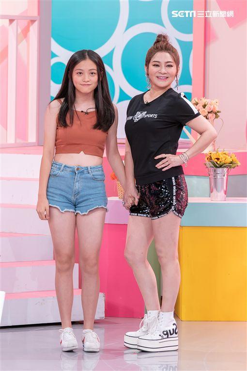 王彩樺和女兒黃繶帆,余皓然和女兒韓菲 圖/TVBS提供