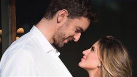 大賈索求婚成功 將小8歲女友娶回家 NBA,聖安東尼奧馬刺,Pau Gasol,求婚 翻攝自Pau Gasol推特、IG