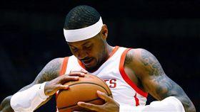 搶籃板好激動!甜瓜F開頭粗口飆隊友 NBA,休士頓火箭,Carmelo Anthony,甜瓜,粗口 翻攝自推特