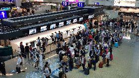 更省時 桃園機場二航廈可自助託運行李