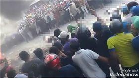 厄瓜多,暴民,暴動,私刑,燒死小偷(圖/翻攝自YouTube)