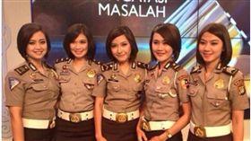 印尼報考女警迫驗處女身。(圖/翻攝自ABC NEWS)