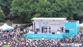 柯文哲行動競選總部園遊會 柯文哲 柯爸柯媽 競選車 競選辦公室提供