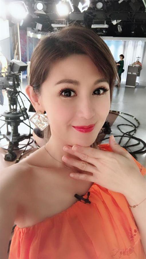 鄭仲茵在《金家好媳婦》飾演心狠手辣的女強人「方婉妃」/翻攝臉書