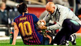 梅西傷退!對手暴力一推讓他右手骨折 西甲,梅西,Lionel Messi,受傷,骨折 翻攝自推特