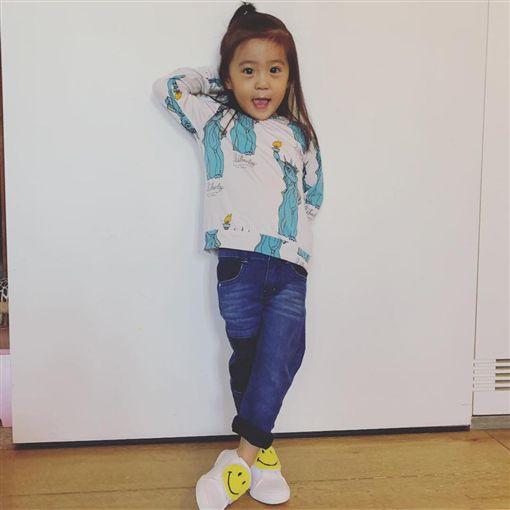 賈靜雯,咘咘,Bo妞(圖/臉書)