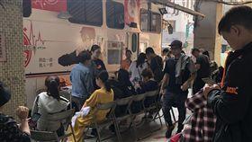 普悠瑪出軌造成血荒,許多民眾一早到捐血站捐出熱血。(圖/網友提供)