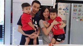 李宗偉與家人一同慶祝36歲生日。(圖/翻攝自李宗偉IG)