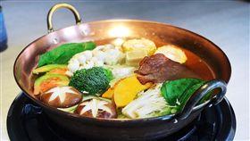 烏來,美食,火鍋,問水湯鍋(記者郭奕均攝影)