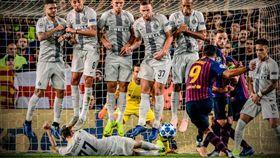梅西笑歪!國米神招抓到蘇牙罰球偷雞 足球,歐冠聯賽,巴塞隆納,國際米蘭,Luis Suarez 翻攝自推特