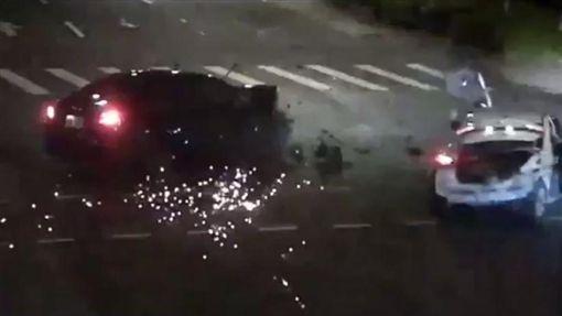 台北,內湖,Uber,左轉,道路交通管理處罰條例。翻攝畫面
