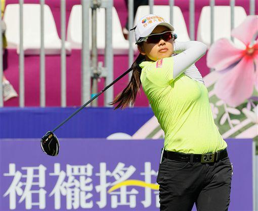 徐薇淩是首回合表現最佳的台灣球員。(圖/裙襬搖搖高爾夫基金會提供)