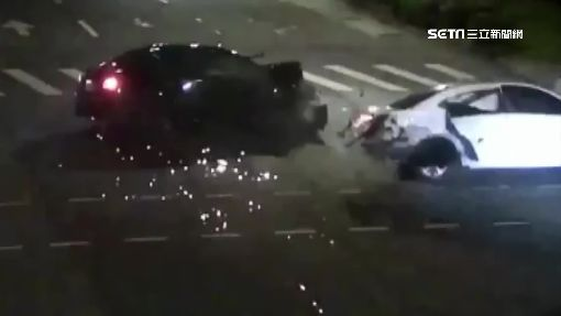畫面曝光! 違規uber撞飆轎車 女乘客噴飛