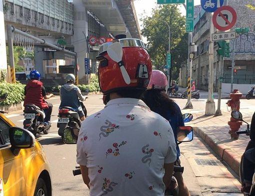 安全帽,造型,電鍋,爆廢公社 圖/翻攝自臉書爆廢公社