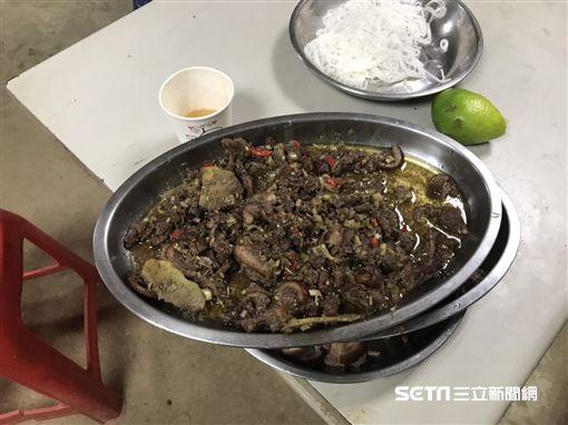 台中豐原移工吃狗肉/翻攝畫面