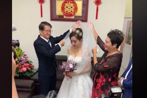 「50輛超跑」助陣遊街迎娶 二林「絕美新娘」曝光(圖/翻攝臉書)