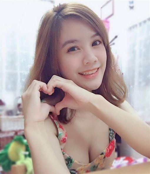 Christine,miss_christine927,英文老師,楊丞琳。翻攝自Christine Peng臉書