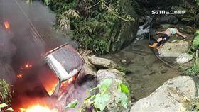 貨車失控滑落邊坡 火燒車1人燒傷命危