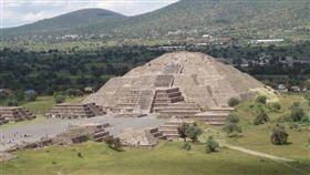 墨西哥特奧蒂瓦坎(Teotihuacan)月亮金字塔(圖/翻攝自百度百科)