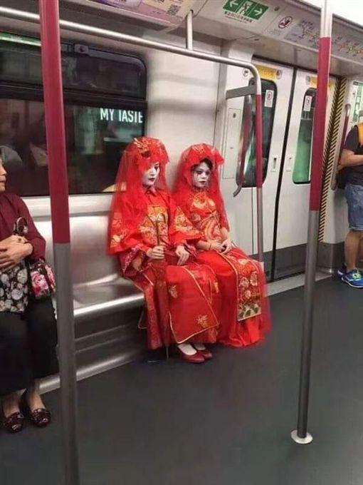 鬼新娘,萬聖節,大眾運輸(圖/翻攝自爆怨公社臉書)