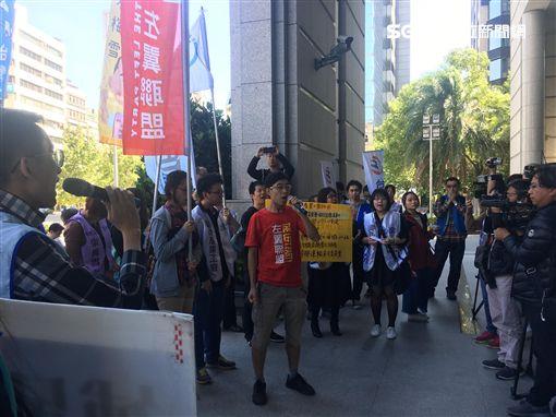 普悠瑪,出軌,台鐵產業工會,抗議,交通部,/記者蕭筠攝影