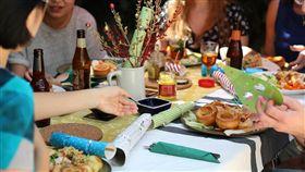 餐桌,聚餐,朋友,家人./翻攝自Pixabay