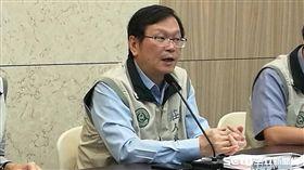 2起流感疫苗傳出包,疾管署副署長莊人祥(中)今(30)說,衛福部初步研判是單一事件,流感疫苗是安全的。