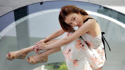 李澤楷對26歲女友郭嘉文極盡寵愛。(圖/翻攝自IG)