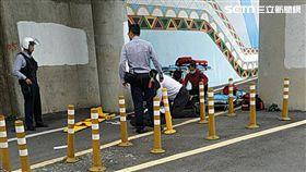 台北市大直橋上吊自殺現場(讀者提供)