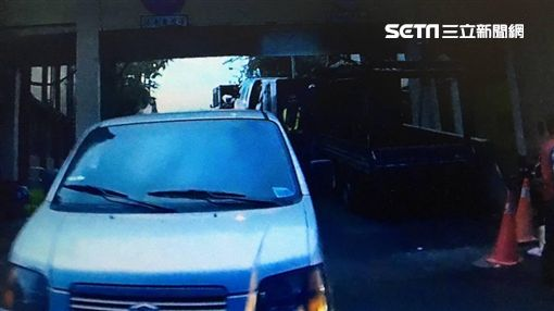 王男竊取小貨車兜風,並將車輛停在環南市場巷弄遭檢舉,警方才得以破獲這宗竊案,全案訊後依竊盜罪送辦(翻攝畫面)