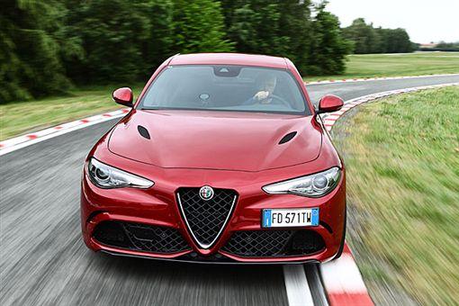 Alfa Romeo Giulia Quadrifoglio(圖/翻攝網路)