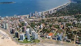 寂寞星球2016年十大推薦旅遊國度-烏拉圭(埃斯特角城) 圖片來源:維基百科 https://zh.wikipedia.org/wiki/%E5%9F%83%E6%96%AF%E7%89%B9%E8%A7%92%E5%9F%8E