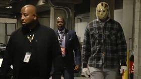 詹皇扮面具殺人魔 網:想殺哪個隊友 NBA,洛杉磯湖人,LeBron James,萬聖節,面具殺人魔 翻攝自推特