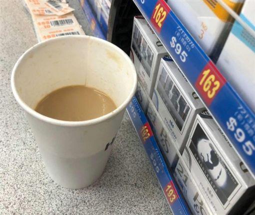 奧客超商買咖啡 回頭罵店員說咖啡只有一半/爆怨公社