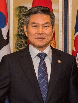 南韓國防部長官鄭景斗(圖/翻攝自維基百科)