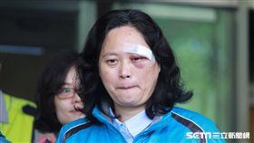 賴香伶在聯合醫院仁愛院區院長蕭勝煌陪同下出院 盧冠妃攝