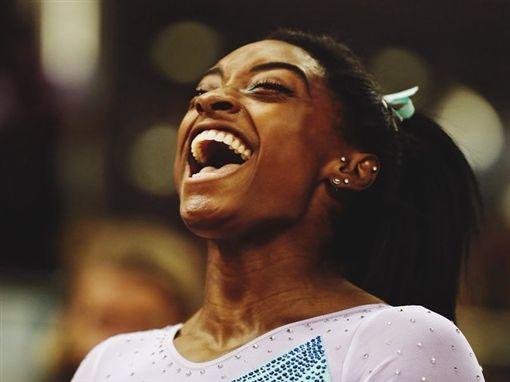 史上第一人!美體操天后拜爾斯摘世界大賽第13金圖/翻攝自拜爾斯IG