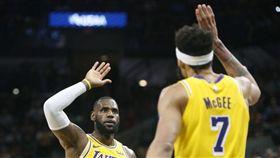 麥基大爆發!詹皇:能贏年度防守球員 NBA,洛杉磯湖人,JaVale McGee,LeBron James,最佳防守球員 翻攝自推特
